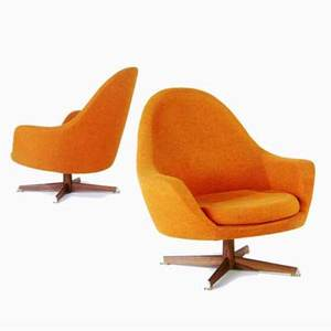 Maurice villency pair of lounge chairs upholstered in burnt orange tweed on swivel base maurice villency fabric label 31 12 x 32 x 27
