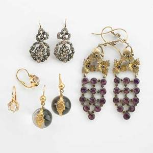 Four pairs of gold or silver earrings 19th20th c cushion cut rock crystal in french 18k gold silver and amethyst grape clusters rock crystal and silver pools of light georgian style rose cut d