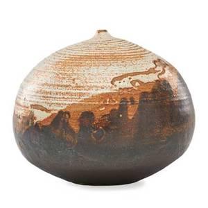 Toshiko takaezu 1922  2011 glazed stoneware moonpot with rattle clinton nj signed tt 6 x 6 12