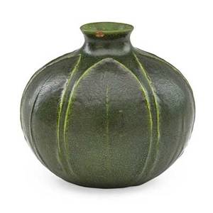 Grueby spherical vase carved with leaves boston ma ca 1905 circular pottery stamp 3 34 x 4