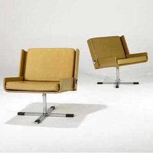 Esko pajamies  stendig pair of bonzo lounge chairs upholstered in tan leather on polished chrome pedestal bases stendig labels 28 x 26 14 x 25
