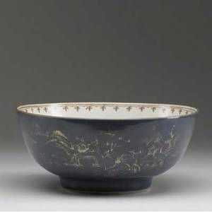 Chinese export deep bowl with landscape decoration late 18th c 5 12 x 10 14 dia