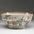 Chinese export deep bowl with mandarin design ca 17601780 4 12 x 10 14 dia