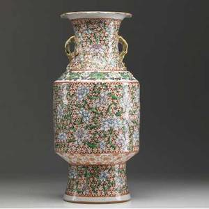 Chinese export palace vase with famille verte decoration 19th c large chip to rim 15