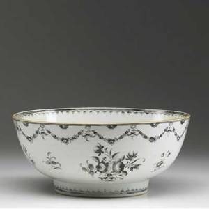 Chinese export deep bowl with floral decoration ca 17601780 5 12 x 10 14 dia