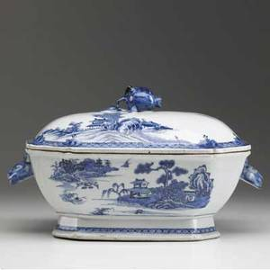 Chinese export blue and white tureen early 19th c 8 x 12