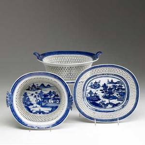 Chinese export three nanking design pieces includes two reticulated bowls together with an underplate 19th c bowls 5 x 9 x 10 14 dia