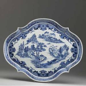 Chinese export blue and white serving platter with landscape decoration 19th c 18 12 x 15