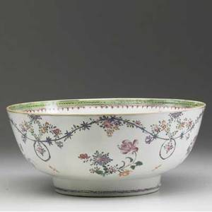 Chinese export deep bowl with floral decoration 18th c 4 34 x 11 14 dia