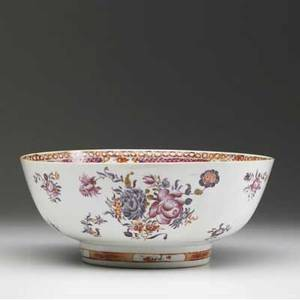 Chinese export deep bowl with floral decoration ca 1780 4 14 x 10 14 dia