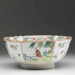 Chinese export deep bowl with scalloped rim decorated with asian figures ca 17501760 5 x 11 dia