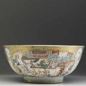 Chinese export punchbowl with figural decoration 18th c 7 x 15 dia