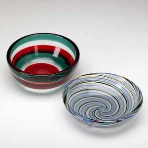 Fulvio bianconi  venini two low bowls one fasce orrizontale by fulvio bianconi the other with spiral polychrome filigrana both marked venini murano italia each 5 12 dia