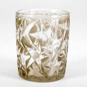 Lalique lierre cigarette holder of clear and frosted glass with gray patina c 1924 m p 235 no 68 molded r lalique 3