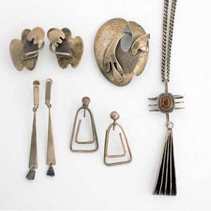 American modernist silver jewelry early ed wiener silver and topaz pendant 3 12 on chain sam kramer biomorphic clip earrings 1 12 and matching unmarked brooch 1 34 x 2 14 jonty triangul