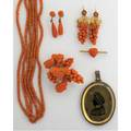 Federal eglomise silhouette memento mori with victorian coral jewelry double silhouette possibly of george and martha washington depicts woman above a field of woven hair with painted forgetmenots