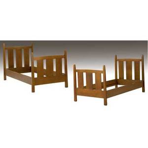 Gustav stickley pair of slatted twin beds with tapering posts paper label to one 44 12 x 40 34 x 78 12