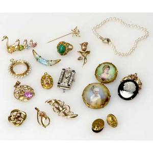 Gold jewelry with diamonds etc eighteen pieces include art deco diamond and sapphire white gold watch case diamond and gold butterfly stickpin cameo enhancer pins pendants limoges miniatures