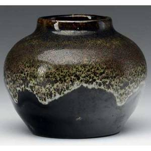 O l bachelder bulbous vase covered in glossy black glaze with mottled ivory red and green dripping overtop from the collection of arthur baggs daughter mary trowbridge baggs tweet of tolland