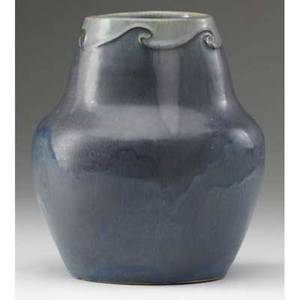 Arequipa vase with wavelike squeezebag design in blue and bluegray 34 line from rim signed arequipa california 486 1912 6 x 5 14