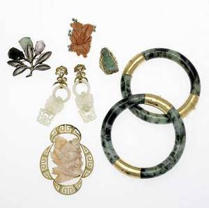 Jade and coral jewelry seven pcs 14k and silver 19201960 two hinged mottled green jade bangles 14k engraved mounts 115mm 2 14 int cir carved white jade and gold earrings 2 12 x 34
