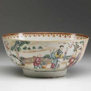 Chinese export deep bowl with mandarin design ca 17601780 4 12 x 10 14 dia