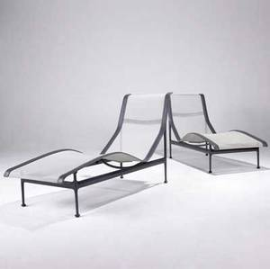 Richard schultz  knoll pair of lounge chairs in grey enameled metal with mesh and stitched leather seat covering 33 12 x 54 x 24