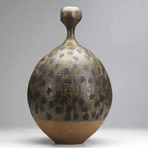 Val cushing large bulbous stoneware vessel with incised lines and random patches covered in gunmetal glaze incised mark 22 x 12 12