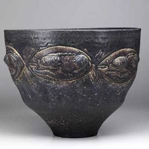 Scheier large stoneware bowl with applied and incised decoration of fish 1991 signed and dated 11 14 x 14 12 dia