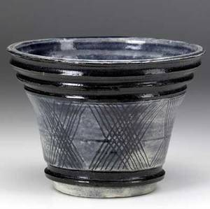 Henry varnum poor early glazed ceramic bowl with incised geometric decoration 1929 provenance montross gallery new york incised hvp 29 montross gallery label on bottom 5 x 7 dia