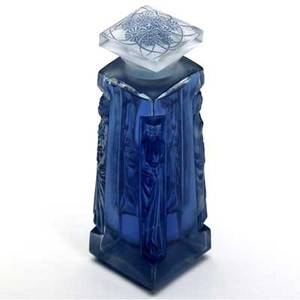 Lalique ambre for dorsay perfume bottle in clear and frosted glass with blue patina m p 933 no 4 raised lalique ambre dorsay 5 14 x 1 12 sq