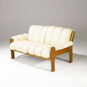Je ekornies norway settee in leather on sculpted teak frame ekornies foil label 30 x 59 x 33