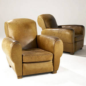 Art deco pair of club chairs in natural leather on wooden block feet 34 x 34 x 37