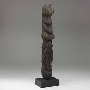 Grade society fern figure s malekula vanuatu carved male idol with traces of natural red pigment early 20th c used to commemorate a mans rank in the social hierarchy provenance savoy gallerie