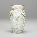 Durand vase with green pulledfeather design and gold threading signed durand 19127 7 12 x 4 14