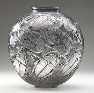 lalique grosses scarabees vase of clear and frosted glass with black patina m p 415 no 892 etched r lalique 11 34 x 10 14