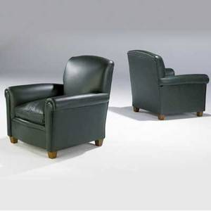 Art deco pair of club chairs upholstered in forest green leather 34 x 32 x 34