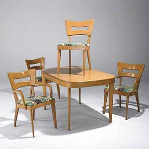 Heywood wakefield dining table and four chairs in champagne finish with one leaf all chairs stamped and with fabric tags table 29 12 x 50 12 x 34 leaf 14 armchair 33 12 x 22 12 x 21