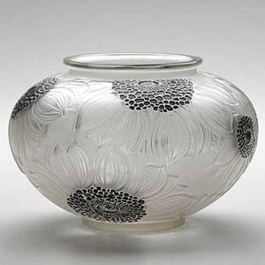 Lalique frosted glass dahlias vase with black enamel c 1923 m p 425 no 938 stamped r lalique france 5 x 7