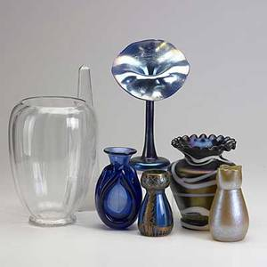 Art glass daum obelisk loetz style bud vase jackinthepulpit bud vase with spurious tiffany mark iridescent vase with spurious f carter steuben mark etc largest 11