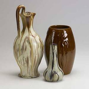 Art pottery group lot approx twentyeight pieces include hull ar cole and other southern pottery tallest 12 14