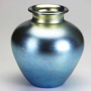 Steuben blue aurene baluster vase large crack to body signed steuben aurene 10 12 x 9 12