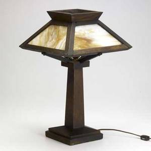 Arts  crafts oak table lamp with slag glass shade 18 12 x 12 sq