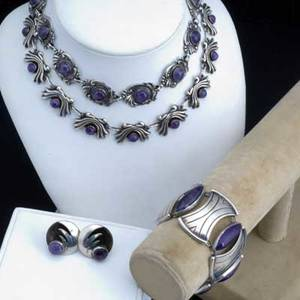 Mexican silver and amethyst jewelry five pieces include necklaces bracelet and earrings 1842 gs necklace 17 x 58