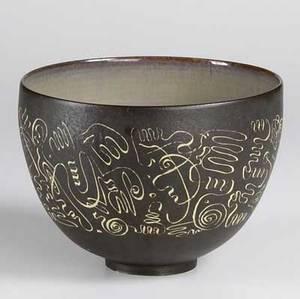 Scheier footed stoneware bowl with incised decoration signed scheier 6 34 x 9 14