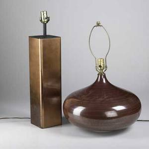Modern lighting pair of square columnar copper washed metal lamps together with pair of bulbous ceramic table lamps tallest 24
