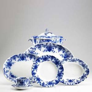 Ridgeway flow blue china approx 100 pcs in the osborne pattern 19th c includes covered soup tureen large serving platter serving bowls approx thirty serving pieces twelve luncheon plates