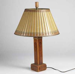 Art deco bakelite table lamp with foliate decoration matching shade in asfound condition 25 x 16 12