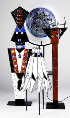 Contemporary glass three fused glass sculptures beatriz and alice keleman medallion shaped sculpture signed two fused glass dragons by stuart adlowitz robert hoke leaded glass lamp tallest 32 1