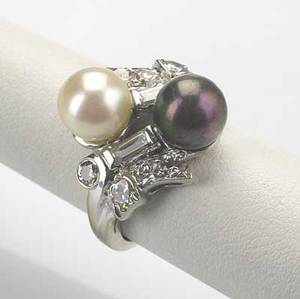 Diamond  bicolor pearl ring ca 1940 14k wg baguette and oec diamonds approx 78 ct tw 5 gs gw size 3 14